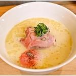 89048641 - 白トリュフ香る鶏白湯麺 1080円 メニュー名通りの仕上がりです。