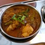 デニス キッチン アジアンダイニングバー - ネパールチキンカレー