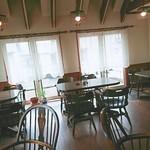フリーダム - 2階にはテーブルが5つほど