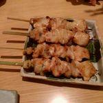焼鳥屋 バードマン - み(もも)塩 2本で300円