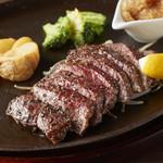 黒毛和牛赤身のレアローストステーキ