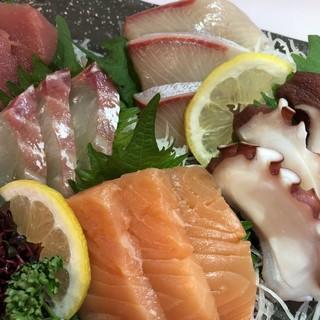 鮮度抜群の魚介料理