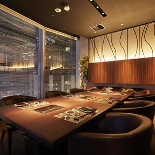 接待・会食にはこちらの完全個室をご利用くださいませ。