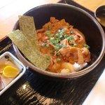 芋喰島 - 豚キムチ丼600円