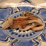 緒方 - トリ貝の肝とヒモ