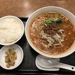 89063285 - 担々麺(元味)@800円とご飯@100円