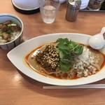 89064666 - 汁なし担々麺太麺 小チャーシュー丼