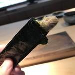 89069269 - 稚鮎の海苔巻き。揚げる直前まで生きとりました。