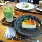 ダイニングカフェ・ボリジ - 焼きチーズ&抹茶ミルク