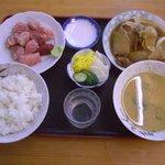 大衆食堂 月よし - 今日頼んだランチ〆て890円?