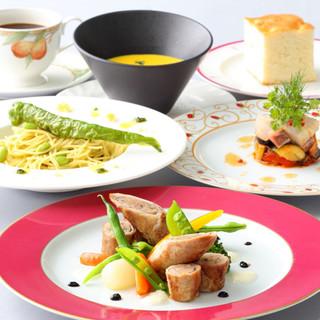 地中海料理をベースに京都の食文化を取り入れた五感で楽しむ料理