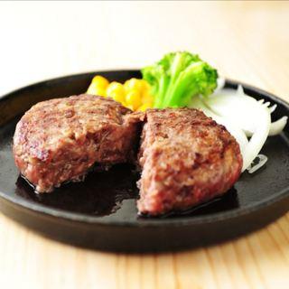 肉の旨みが駆けめぐる『とろけるハンバーグ』