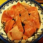 魚玉 - 鉄火丼のアップを上から見る。