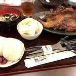 鶏一 - 骨付き鶏セット〜おやどり 1,383円