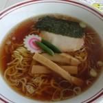 女体山展望パーラー - 女体山ラーメン720円アイスコーヒー360円