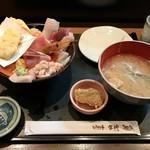 おさかな亭 - 料理写真:海鮮丼