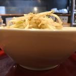 麺屋 虎司 - 味噌ラーメンアップ横