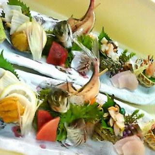 全国各地から取り寄せた厳選食材で作る日本料理