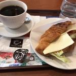 カフェ・ド・クリエ - クロワッサンサンドのドリンクセット