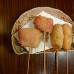 ざしき笑し - 串揚げ(豚バラチーズ、チーズベーコン巻き)