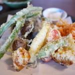 そば 吉里吉里 - 野菜の天ぷら盛合せ
