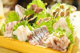 まるう商店 - 三浦地魚どっさり盛 (¥1,980)