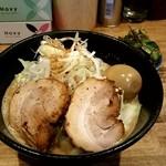 煮干し中華そば 一剣 - 料理写真:濃厚味噌ラーメン700円+ニラ100円!