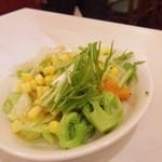 上海豫園 - サラダバーのサラダ