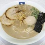 89098846 - 「煮玉子入りラーメン」(770円)です