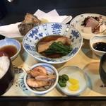中久亭 - 品数の多い日替定食!