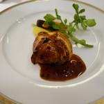 レストラン ラ・カンサトゥール - 白老産和牛とそのひき肉、フォアグラのパイ包み焼き