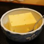 蛸八 - お通しの玉子豆腐