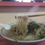 長崎 - 麺は太麺です。