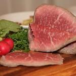 いがや - 料理写真:A5の松坂牛で作ったローストビーフ