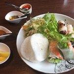 ベトナムキッチン アンヴィエット - 生春巻き、揚春巻き、サラダ風和えものの前菜