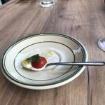 89112962 - 小さなカプレーゼ、モツァレアチーズにプチトマト!