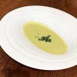 ココシエール -  スープ / 本日のスープはグリーンピースのポタージュ