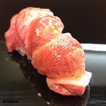 豊鮨 - 料理写真:本鮪 砂づり