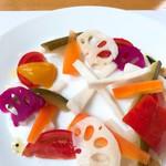 サレペペ - ピクルスサラダ
