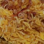 DELHI GATE - チキンビリヤニには炒めたチキンが。お米はあちらのお米でバスマティ種だそう。長細いよ。