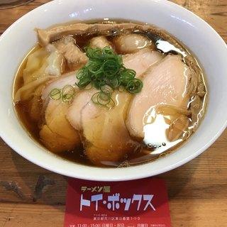 ラーメン屋 トイ・ボックス - 料理写真:【2018.7.8】特製醤油ラーメン¥1050
