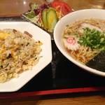 明華園 - 料理写真:Bセット(半チャーハン・ラーメン・サラダ)850円
