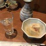 七福 - 手取川とお通しの高野豆腐