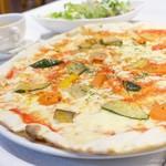 メルカートロッソ - 2018年4月 グリル野菜のピザ
