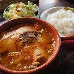 カフェモンキーバー - 料理写真:シーフードカレー+ポーク