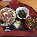 旬食健美  田しろ - いわし丼(鰯の刺身大盛)¥900-