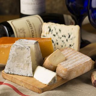 チーズプロフェッショナルのシェフが世界各国のチーズを厳選!