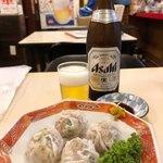 味中味 - ビール中瓶550円、シューマイ450円
