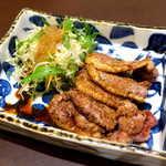 89138601 - 鴨焼き(¥1944)。バルバリー種を使用、非常に肉肉しい。黒胡椒の風味で