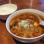 楽しい煉屋 - ユッケジャンスープ